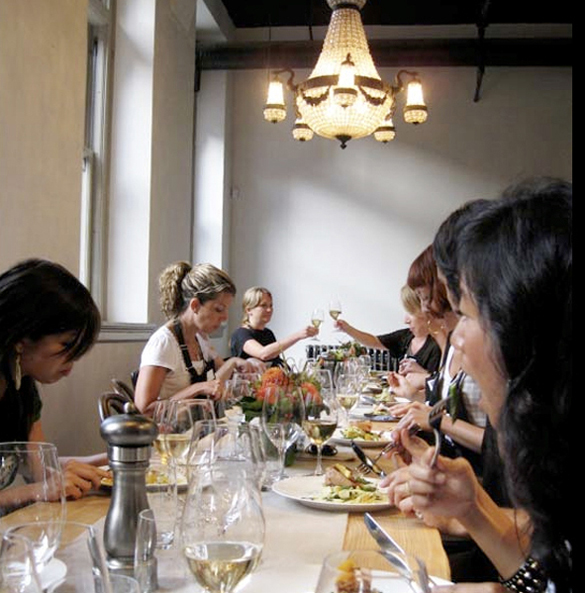 dining-room-media-night-300