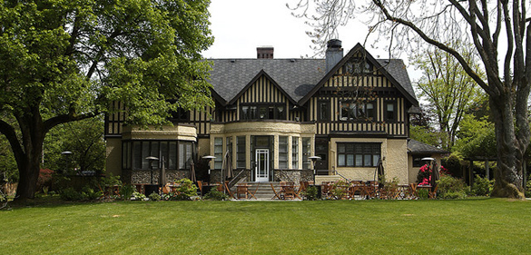 Hart House is located at 6664 Deer Lake Avenue in Burnaby | 604-298-4278 | www.harthouserestaurant.com